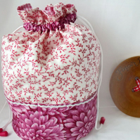 crochet yarn bag and hook storage, pink ditsy floral print