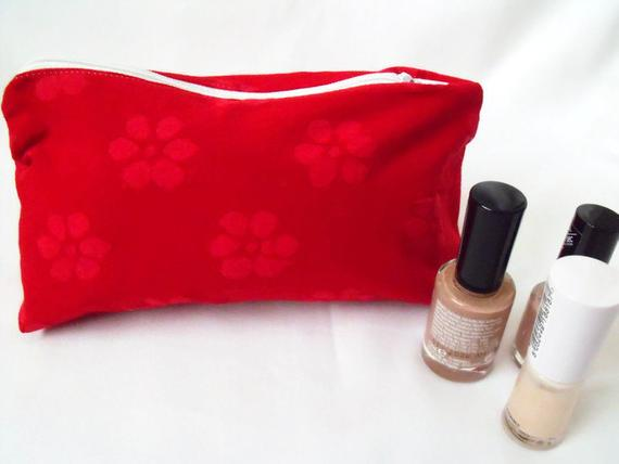 red floral zipped make up pouch, pencil case or crochet hook holder