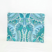 turquoise zipped make up pouch, pencil case or crochet hook case