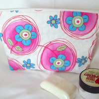 large pink and white zipped make up pouch, pencil case or toiletries bag