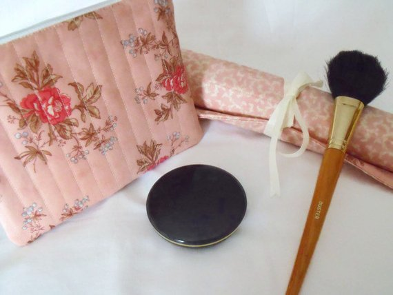 Moda pink roses make up gift set, toiletry bag and make up brush holder