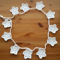 festive crocheted white star hanging garland