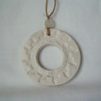 ceramic wreath hanging decoration, unpainted