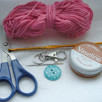 Crochet Kit  - Vaseline Holder Keychain including Pattern and Hook