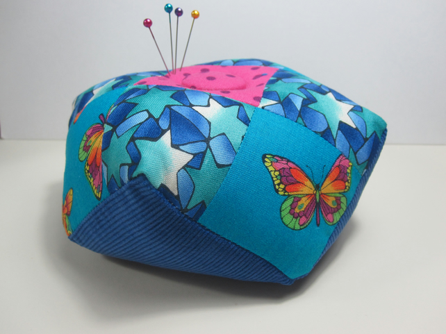 Weighted biscornu pin cushion (stars)