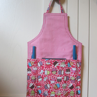 Mini apron notepad and pen holder (cakes)