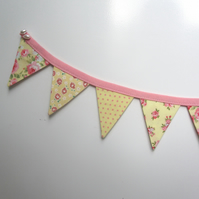 REDUCED Fridge bunting (yellow)
