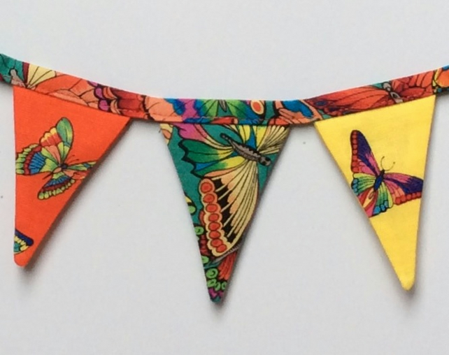 Fridge bunting (butterflies)