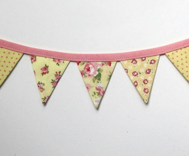 Fridge bunting (yellow)