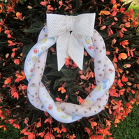 Fabric Wreath (eggs&bees)