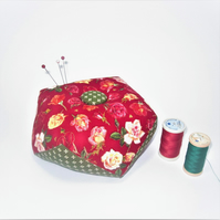 Weighted biscornu pin cushion (roses)