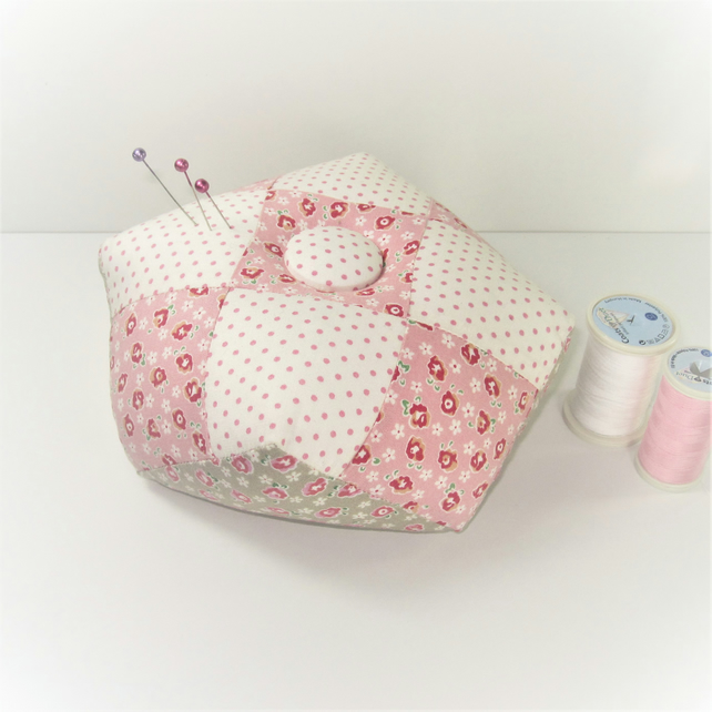 Weighted biscornu pin cushion (pink)