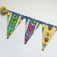 REDUCED Fridge bunting (hearts.flowers)