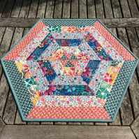 Quilted Hexagon Centrepiece REDUCED