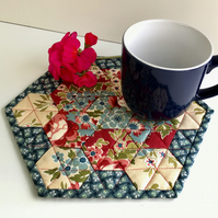 Hexagon mug rug