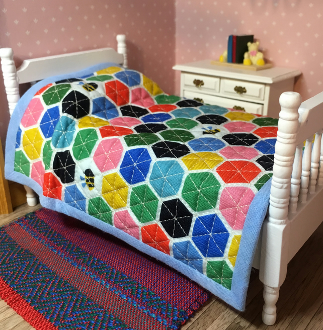1:12 Single quilt (hexagons)