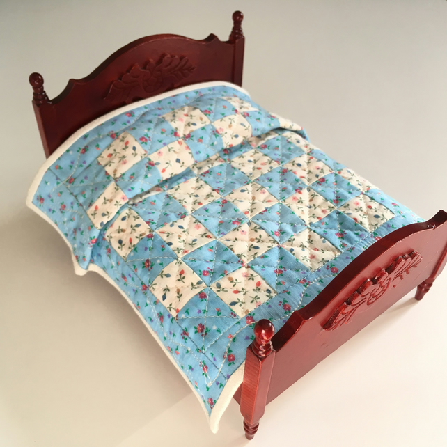 Miniature patchwork quilt