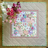 Quilted hexagons table topper