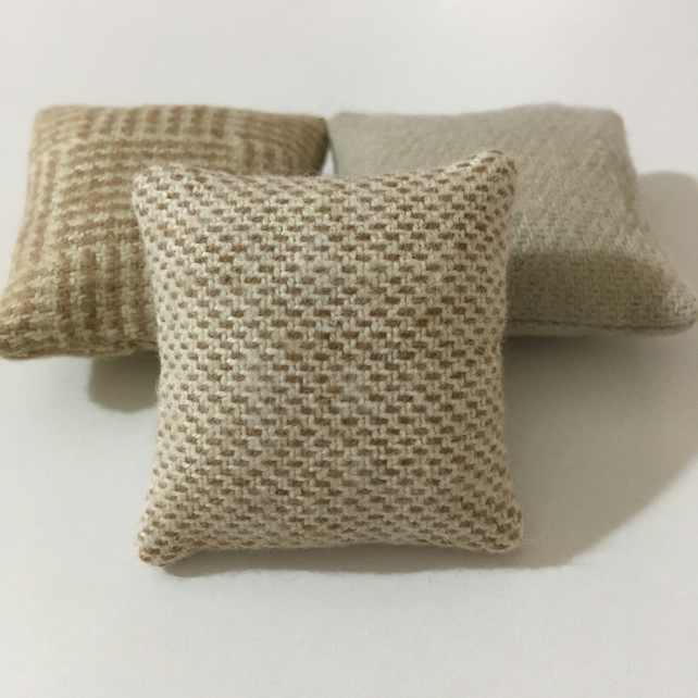 Miniature 1:12 doll's house cushions (x3)