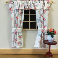 1:12 curtains (flowers)