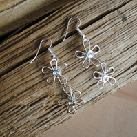 Silver Daisy Earrings, jewellery, flower earrings