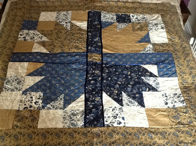 Beautiful Bears Paw Patchwork Lapquilt,Throw