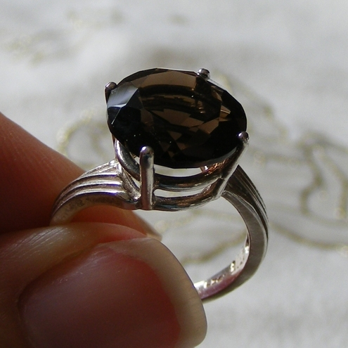 Ring in Sterling Silver featuring a super Smoky Quartz gemstone