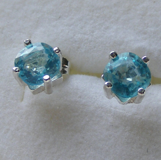Sterling Silver Stud Earrings featuring Gorgeous Natural Neon Blue Apatite Gems