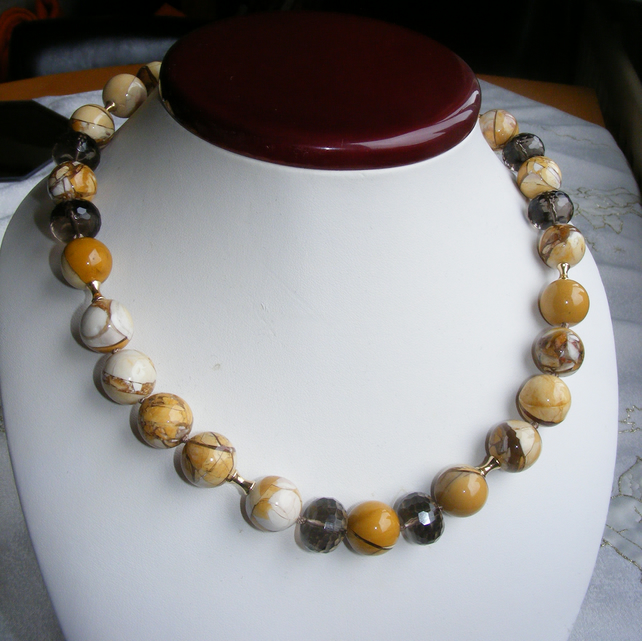 Necklace in 9ct Gold featuring Brecciated Mookaite Jasper & Smoky Quartz