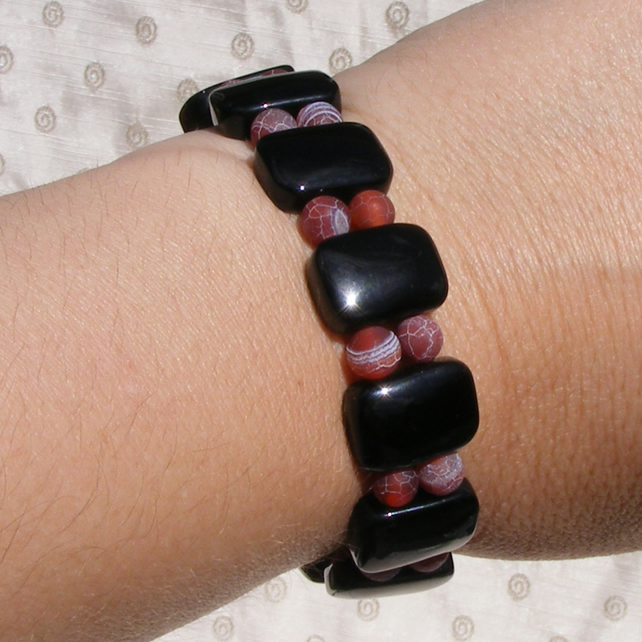 Stretch Bracelet with Black Onyx and Red Crab Agate