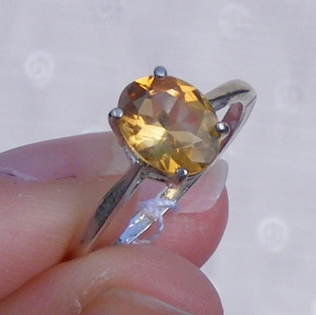 Ring in Sterling Silver featuring Golden Citrine