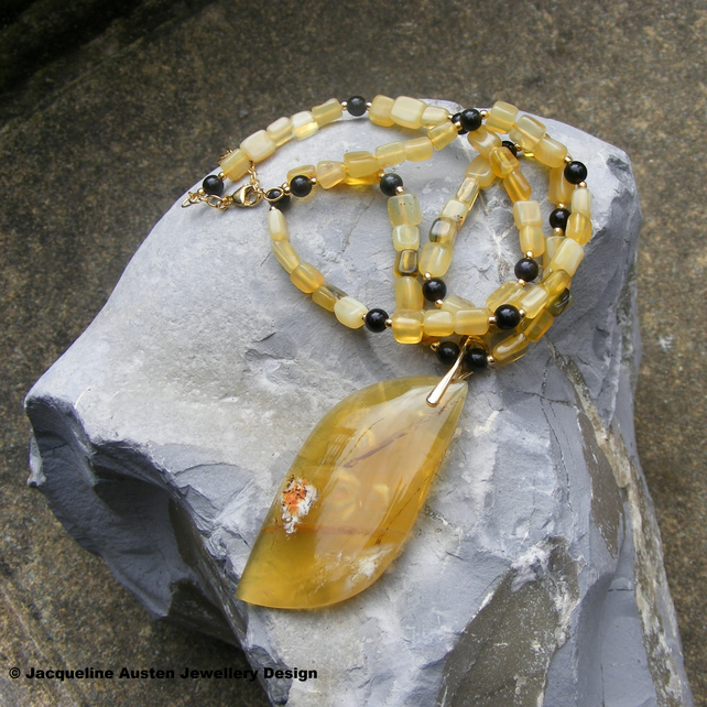 Necklace in Sterling Silver Vermeil with Yellow Opal and Black Onyx Gemstones