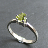 Ring in Sterling Silver with a Trillion Cut Peridot Gemstone UK Size L & Half