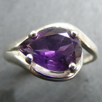 Ring in Sterling Silver Set with a Amethyst Pear Cut Gemstone - UK Size M