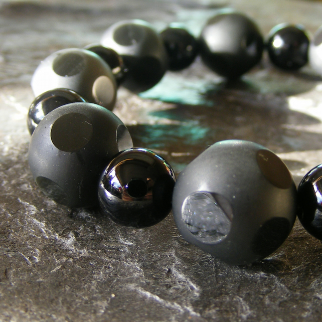 Stretch Bracelet with Faceted and Polished Black Onyx Gemstones