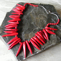 Necklace in Sterling Silver with faceted Coral Beads and Coral Shards