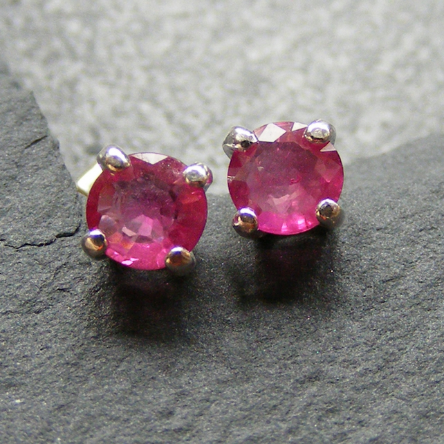 Stud Earrings in Sterling Silver set with Ruby Gemstones