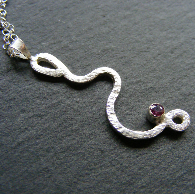 Pendant & Chain in Sterling Silver With Natural Ruby Hall Marked Hammered Finish