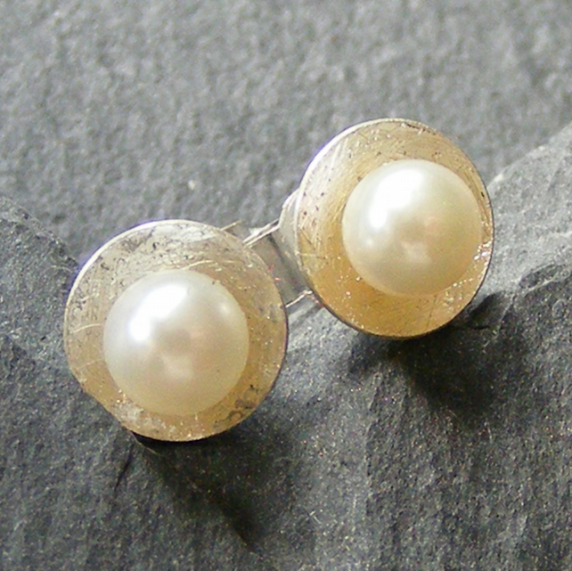 Stud Earrings in Sterling Silver with Pearls and Textured Finish