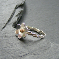 Stacking Ring in Sterling Silver With Flower and Twist Design 18K Gold Accent