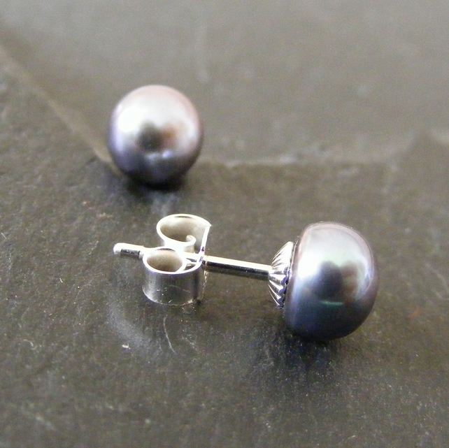 Sterling Silver Cultured Pearl Stud Earrings in Peacock Tone AAA