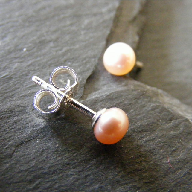 Sterling Silver Cultured Pearl Stud Earrings in Natural Soft Pink Undyed AAAA