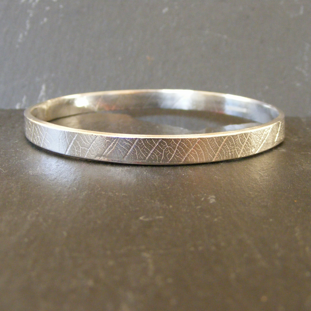 Sterling Silver Bangle with Embossed Leaf Pattern 25.52g - Hall Marked