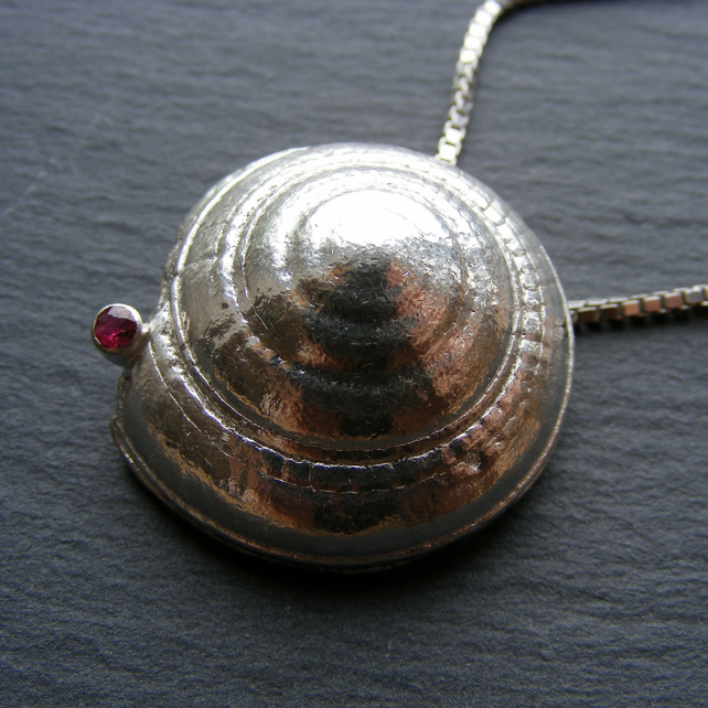 Heavy Sterling Silver Shell Pendant and Chain set with a Ruby 44.86g Silver