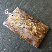 Large pendant in Sterling Silver with Rectangular Cut Veined Agate Gemstone