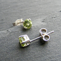 Stud Earrings in Sterling Silver set with Peridot Gemstones