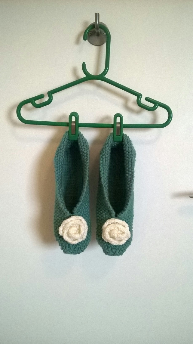 Vintage style knitted slippers