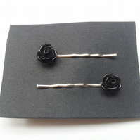 Black Rose Bobby Grips, Pins (Roses Approx 10mm)