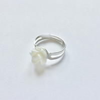 Beautiful White Resin Rose Ring, Adjustable, Approx 10mm.