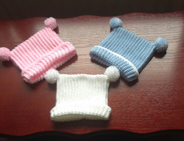 Hand crocheted Baby T bag hat - 0-3months - free p&p